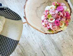 "Polubienia: 7, komentarze: 2 – @kasia_mokrzycka na Instagramie: "" @flatlays #wood #lovewood #chair #table #flowers #flowerbox #loveflowers #rose #pinkroses…"""