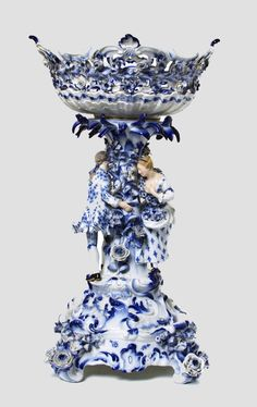 Meissen Porcelain Manufactory (Germany) — Figural Compote (100x1302)