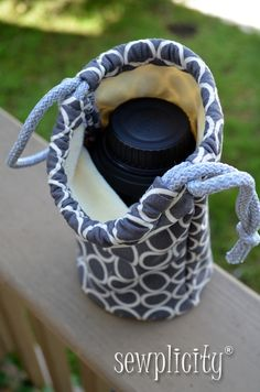 DSLR Camera Lens Case - or gift bag for a bottle of something, or carry bag for taking wine to a BYOB. Sewplicity
