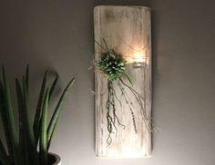 WD83 - Zeitlose Wanddeko! Altes Eichenbrett weiß gebeizt, dekoriert mit künstlichen Sukkulenten, natürlichen Materialien und einem Teelichtglas! Preis 59,90€ - Höhe ca 60cm