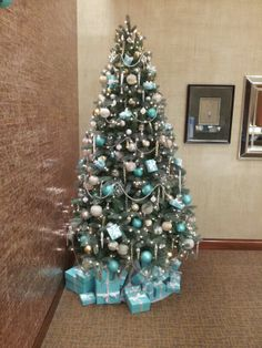 Fresh Blue Christmas Decorating Ideas Page Pointsave Net Happy New Year Christmas Tree Colour Scheme, Teal Christmas Tree, Blue Christmas Tree Decorations, Christmas Tree Design, Xmas Tree, Christmas Themes, White Christmas, Beach Christmas, Coastal Christmas