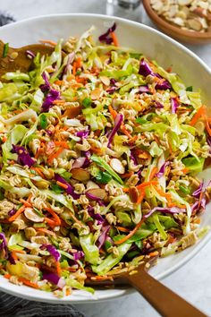 Ramen Noodle Salad Ramen Cabbage Salad, Chinese Cabbage Salad, Cabbage Salad Recipes, Chinese Coleslaw, Cooked Cabbage, Chicken Salad, Chinese Noodle Salads, Asian Ramen Noodle Salad, Salad With Ramen Noodles