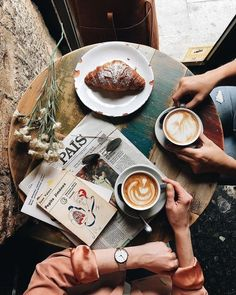 Coffee And Books, I Love Coffee, Coffee Break, Coffee Meeting, Coffee Shot, Coffee Cafe, Coffee Drinks, Coffee Travel, Gourmet Cafe