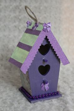 Purple and Pink Birdhouse with iridescent rooftop. Two heart openings for the love birds. by FletchCraftByLynda on Etsy Bird Houses Painted, Bird Houses Diy, Hanging Bird Cage, Birdhouse Designs, Halloween Vampire, Project Ideas, Projects, Two Hearts, Birdhouses