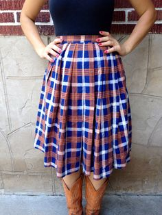 VTG Plaid Pleated Skirt // Knee Length // A Line // Blue and Tan // Catholic School Girl Outfit // Vintage // Wool