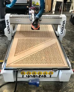 Think of all the custom designs and patterns you can make with a CNC! Check out this latest project by @ ziacraft_llc. Woodworking Business Ideas, Easy Woodworking Ideas, Woodworking Crafts, Woodworking Plans, Cnc Projects, Cool Diy Projects, Project Ideas, Making Shelves, Desktop Cnc