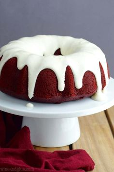 This Red Velvet Sour Cream Bundt Cake with Cream Cheese Buttermilk Frosting is moist, rich, and packed with the most amazing flavor. Bunt Cakes, Cupcake Cakes, Cupcakes, Pound Cake Recipes, Easy Cake Recipes, Dessert Recipes, Christmas Desserts, Christmas Baking, Christmas Bundt Cakes
