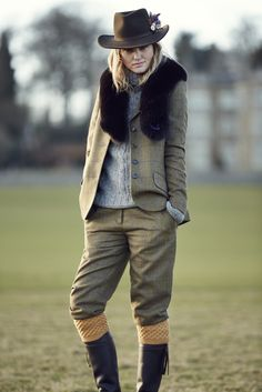 Helensburgh Jacket in Moss Mulberry