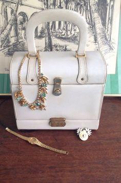 Vintage 1950's Milch Cream Box Train Case Leather Handbag White Handbag Beige Handbag Vintage Purse. on Etsy, $50.00