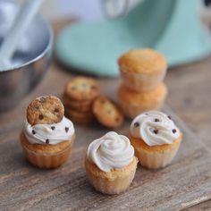 Plan to make chocolate chip cookie cupcake baking scene(so long name ehhh lol). ちょっと忘れ去られていたこのカップケーキたち。。単品で販売する予定でしたがこちらもベイキングシーンに変更しようかと考え中です🤔クッキーシリーズはこれにて終わりです👋🏻 Hope u have a lovely weekend🌬🌬🌬