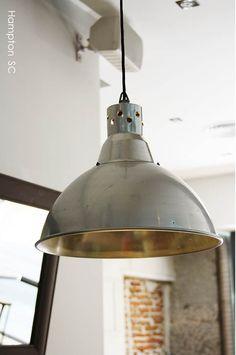 L\u00e1mpara vintage aluminio