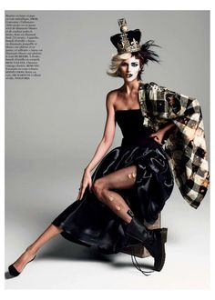 anja queen1 Anja Rubik Gets Regal for Vogue Paris Shoot by Inez & Vinoodh