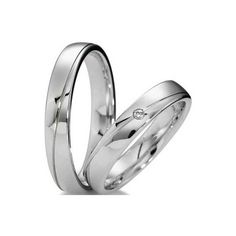 Alianças de casamento modelo Itu : Ouro branco 18 kl (9 gramas) com um diamante 3 pontos na feminina. Listra na diagonal e acabamento polido.  http://www.oliverjoias.com.br/aliancas-com-ouro-branco/alianca-de-ouro-casamento-e-noivado-itu-566.html