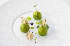#PommedeSavoie #Chef #Rochedy #Buron #GrandsChefsRelaisetChateaux #MOF #Chabichou #Gastronomie #Restaurant #Michelin #2macarons Crédit photo : Philippe Barret