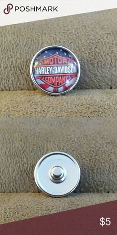 Harley Davidson glass snap button Harley Davidson glass snap button for snap button jewelry.  Save on bundling multiple snap buttons. 18mm 1 for 5.00. 2 for 8.00. 3 for 12.00. 4 for 15.00 Jewelry