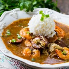 This delightful Seafood Gumbo is full of shrimp and crab and it has a nice spicy kick. There's nothing like a warm bowl of gumbo, and I espe. Cajun Recipes, Shrimp Recipes, Soup Recipes, Dinner Recipes, Cooking Recipes, Gumbo Recipes, Rice Recipes, Easy Recipes, Breakfast Recipes