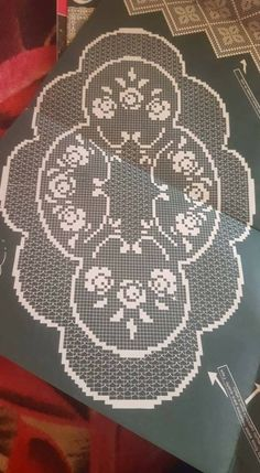 This Pin was discovered by Мар Crochet Bedspread Pattern, Crochet Lace Edging, Crochet Curtains, Crochet Doily Patterns, Crochet Art, Filet Crochet, Crochet Doilies, Crochet Placemats, Crochet Table Runner