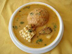 El Caldo de Bolas de Verde, conocido como Caldo de Bolas es un plato tradicional de la Cocina ecuatoriana