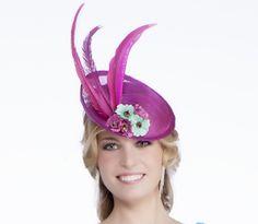 Tocado para vestidos de fiesta y madrina de Madison Diseño #tocados #pamelas #bodas #vestidosdefiesta #dresses #moda #fashion www.scalacostura.com
