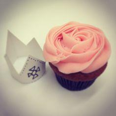 Ripe Strawberry #petalcupcakes #cupcakes