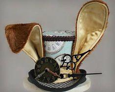 March Hare Mini Top Hat, Brown Rabbit Costume Fascinator, Birthday Hat, Alice in Wonderland Hat, Tea Arte Steampunk, Steampunk Fashion, Gothic Fashion, Gothic Steampunk, Steampunk Clothing, Victorian Gothic, Gothic Lolita, Victorian Fashion, Fashion Fashion