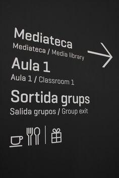 Signage : Natural Science Museum of Barcelona.바르셀로나의 자연 과학 박물관 사인디자인 : 네이버 블로그