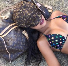 2019 LV Trends For Women Style,New Louis Vuitton Handbags Collection Boujee Aesthetic, Bad Girl Aesthetic, Aesthetic Clothes, Look 80s, Fille Gangsta, Sacs Louis Vuiton, Thug Girl, Gangster Girl, Jolie Lingerie