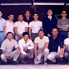 Bruce Lee with his students during the early days of the Oakland Jun Fan Gung Fu Institute operating out of James Lee's garage (circa '65). This would have been right as Bruce began to tangibly construct Jeet Kune Do.  #jkd #brucelee #wingchun #oakland #shaolin #ufc #kungfu #martialarts #thewarriors #enterthedragon #wushu #karate #judo #jujitsu #mma #taekwondo #bjj #ipman #books #miketyson #sanfrancisco #tbt #muaythai #hiphoplife #muhammadali #chinatown #theavengers #yayarea #jackiechan…