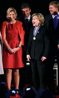 In New York with Hillary Royal Dutch, Dutch Royalty, Queen Dress, Three Daughters, Queen Maxima, Royal Fashion, Evening Gowns, Netherlands, Nice Dresses