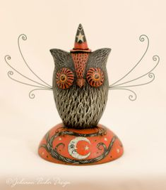 Folk Artist and Illustrator of collectible Halloween, holiday & seasonal sculptures with vintage appeal. Designer of whimsical patterns, printable art, surface designs & folk art ornaments & figurines for the gift and decor market. Halloween Images, Halloween Art, Holidays Halloween, Halloween Pumpkins, Halloween Stuff, Happy Halloween, Clay Dolls, Art Dolls, Beistle Halloween