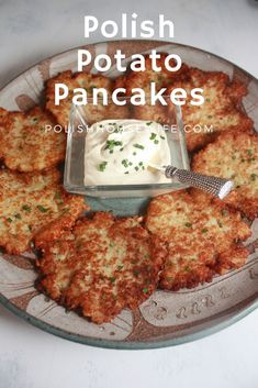 Authentic Polish Potato Pancakes – comfort food at it's best! Authentic Polish Potato Pancakes – comfort food at it's best! Polish Potato Pancakes, Easy Potato Pancakes, German Potato Pancakes, Potato Latkes, Cooking Recipes, Healthy Recipes, Healthy Food, Polish Food Recipes, Comfort Food Recipes