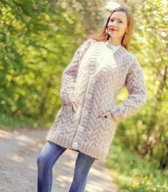 Mohair Sweater, Beige Sweater, Cable Knit Sweaters, Sweater Cardigan, Women's Sweaters, Hand Knitting, Knitwear, Tunic Tops, V Neck