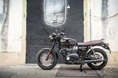 The Bonneville T120 Black is also available with Matt Graphite paint.  This is the all-black version.