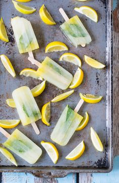 Must-Make Limoncello Pops #summer #italian #pops #popsicles #lemon