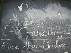 Franggen sind weltoffene Leut`. Hier lässt man bezüglich der April-Schreibweise offensichtlich dem Betrachter die Wahl.