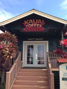 Free tour and free coffee samples! Mahalo Hawaii, Kauai Hawaii, Hawaii Vacation, Hawaii Travel, Dream Vacations, Oh The Places You'll Go, Cool Places To Visit, Places Ive Been, Coffee Company