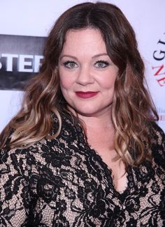 """Melissa McCarthy accepted the Gilda Radner Award for Innovation in Comedy while wearing a pair of Belle by Badgley Mischka """"Brye"""" pumps. Hugh Dancy, Stylish Outfits, Stylish Clothes, Melissa Mccarthy, Curvy Plus Size, Chic Dress, The Chic, Badgley Mischka, Comedians"""
