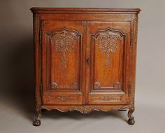 OnlineGalleries.com   French Mid 18th Century Oak Buffet