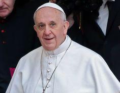 El Papa bendice a un grupo de católicos gays en Italia