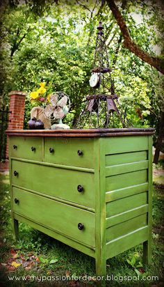 great springy green color with dark stained top