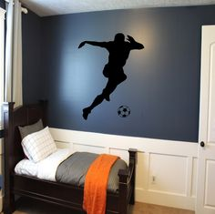 Soccer Player Wall Decal - soccer wall decor, sports decal, kids room wall art, futbol wall decal, f Bedroom Themes, Bedroom Decor, Wall Decor, Bedroom 2017, Bedroom Ideas, Football Rooms, College Football, Sports Wall Decals, Wall Sticker