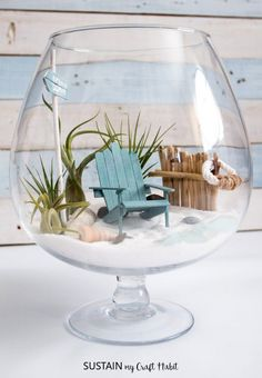 Use drinking glasses for a fun display. From sand and candles to mini beach scene terrariums. The perfect summer craft. You can even shop beach terrarium kits! Wine glass candle holder with sand… Seashell Crafts, Beach Crafts, Summer Crafts, Crafts To Do, Home Crafts, Diy Crafts Room Decor, Terrarium Table, Air Plant Terrarium, Garden Terrarium