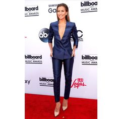 I would, without a second thought rock this royal blue two piece ensemble that Iggy's classmate Renee Bargh as on. ❤️❤️❤️ #RunwayImageBoutiqueInc #BBMAs2015    GO SHOP www.runwayimageboutique.com