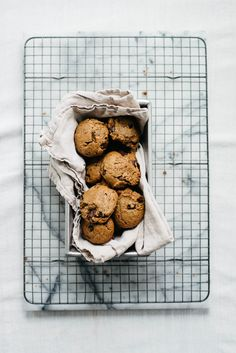 Peanut Butter Chocolate Chip Cookies   dolly and oatmeal