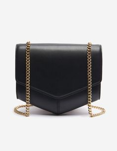 Sandro bag<br /> • 100% cowhide<br /> • Contrasting dyed bands<br /> • Patch pocket on the back of the model<br/> • Shoulder or crossbody strap<br /> • Fastened with magnetic press-stud<br /> • Two compartments and an inside patch pocket<br /> • Dimensions: 22 x 24 x 9cm<br /><br />