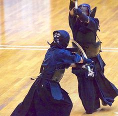 Aikido, Fighting Poses, Anatomy Poses, Martial Arts Training, Cool Poses, Japanese Sword, Gone Girl, Kendo, Action Poses