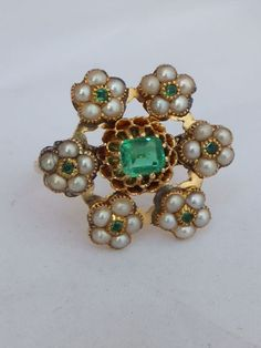 Stunning Victorian Art Nouveau Emerald and seed Pearl 18ct gold cluster ring