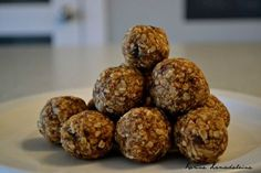 Best recipes for energy balls - wooloo Camping Dishes, Camping Meals, Jeep Camping, Camping Theme, Beach Camping, Camping Recipes, Family Camping, Camping Hacks, Energy Balls