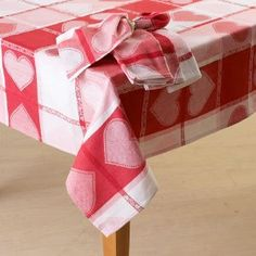 Sew A Tablecloth: Pretty Poppy Tablecloth | Sewing Projects, Craft And  Sewing Ideas