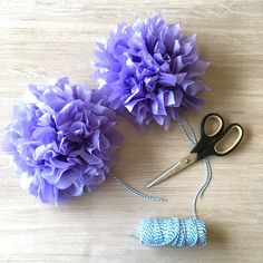 How To Make DIY Mini Tissue Paper Flowers For Party Decorations - Hello Creative Family Tissue Paper Pom Poms Diy, Tissue Paper Flowers, Paper Party Decorations, Diy Wedding On A Budget, Ribbon Garland, Paper Flower Tutorial, How To Make Diy, Diy Home Crafts, Flower Boxes